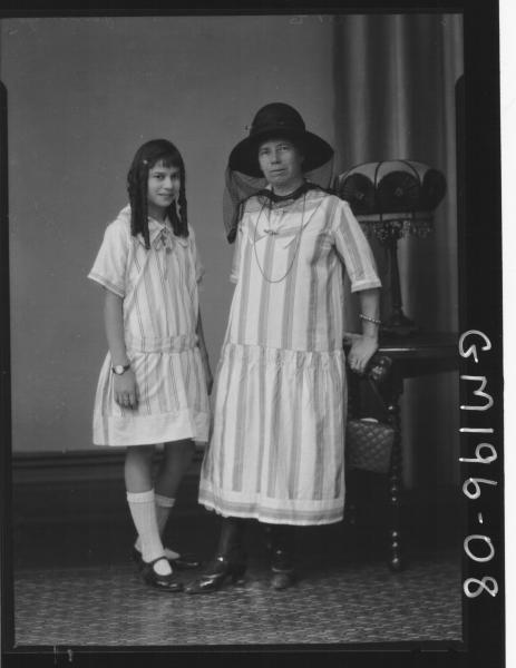 Portrait of woman and girl 'Jennings'