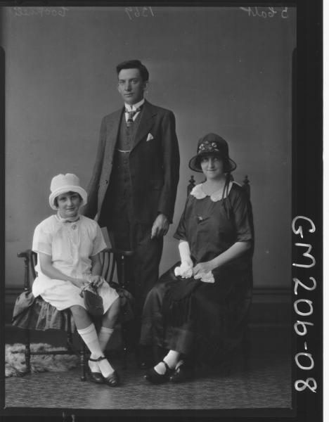 Portrait of man, woman and girl 'Cooknell'
