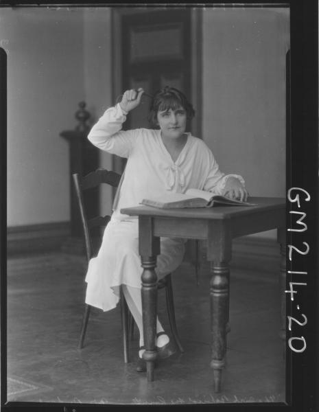 Portrait of actress 'Rintoul'