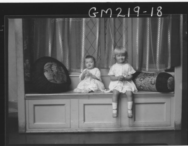 Portrait of two children 'Brown'