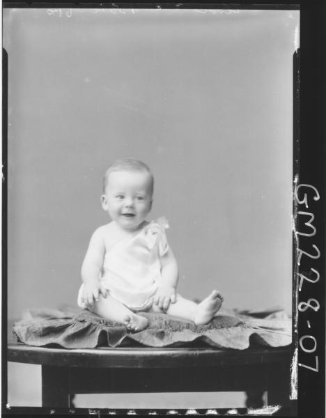 Portrait of baby 'Close'