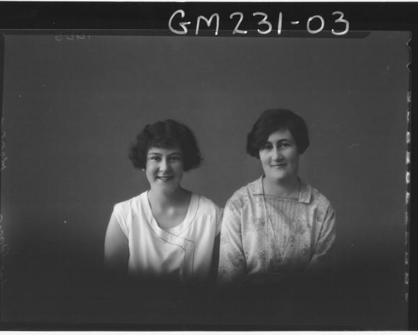 Portrait of two women 'Kerr'
