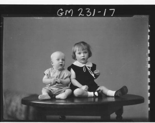 Portrait of two children 'Hinchcliff'