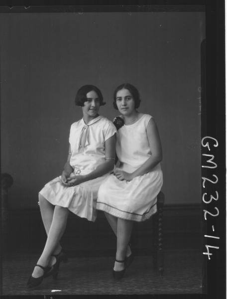 Portrait of two women 'Hocking'