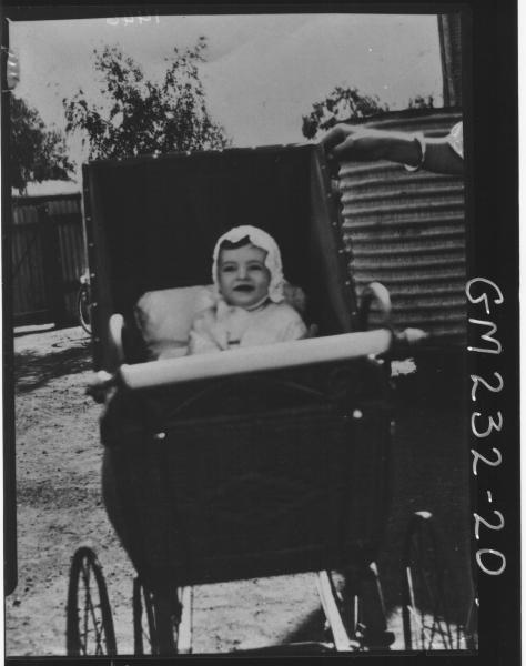 Copy of baby in pram 'Hause'