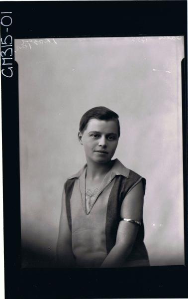 1/2 Portrait of woman wearing day dress 'Gates'
