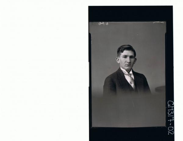 H/S Portrait of young man wearing three piece suit; 'Main'