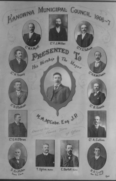 Composite of Kanowna Municipal Council, 1906-7  Mr S Griffiths Town Clerk, M A McCabe JP Mayor, W A Wyatt, F J Millar, F G Sullivan, H N Williams, B Evans, A Collins, R R long, C Bartlett, T Ogilvie, G H O'Brien, D O'Sullivan & H Treacy.