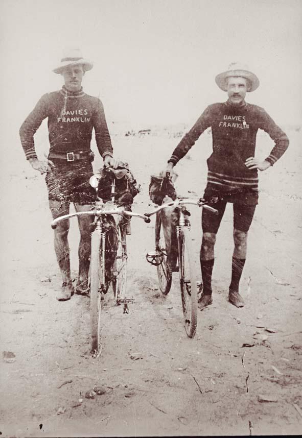 Arthur Warren and Robert Lennie on the goldfields,1907