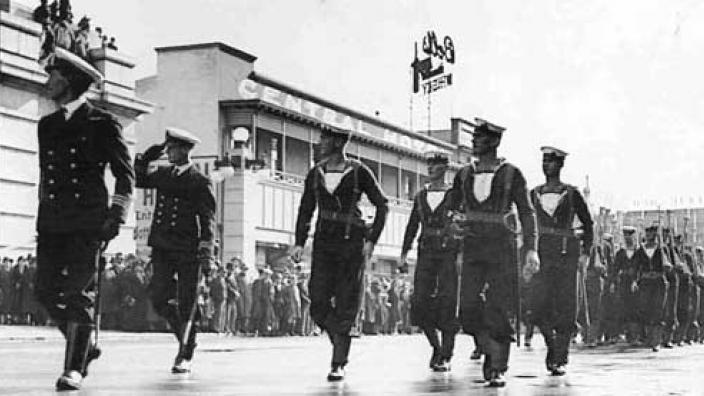 HMAS Sydney (II) crew participating in a military parade