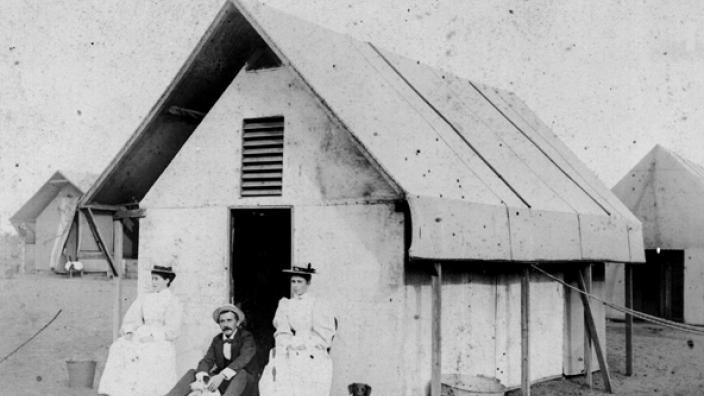 Nurses outside their quarters in Coolgardie, 1890s
