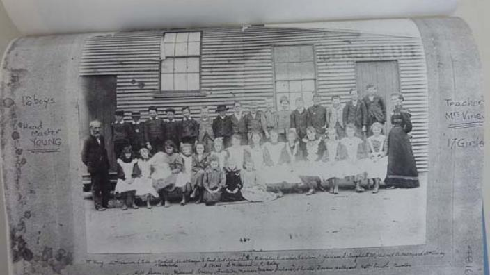 Pupils and teachers of the Boulder Mines School, 1900.