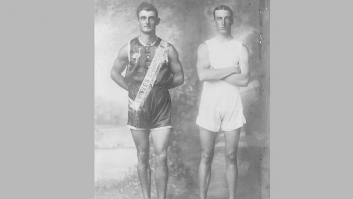 Two sprinters posing