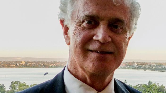 Dr MacLeod