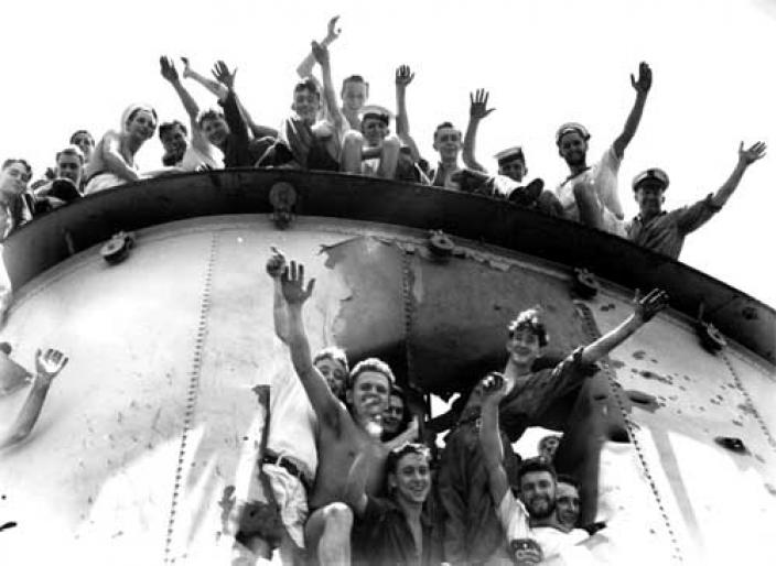 HMAS Sydney (II) crew celebrating battle victory