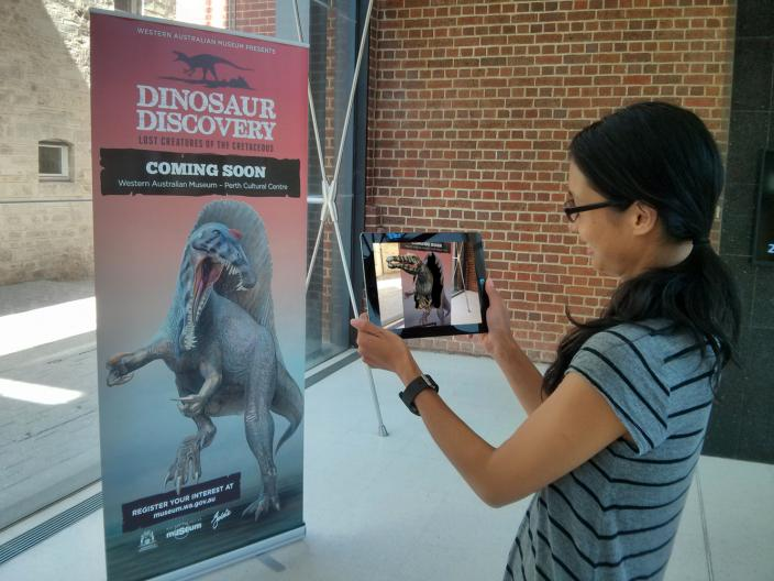 Operating the Dinosaur Discovery app