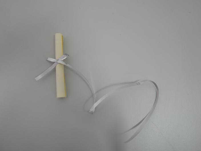 Tie ribbon around message