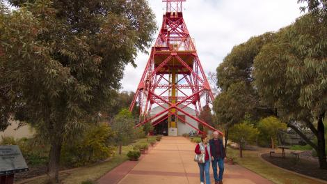 A couple walking out the front of the Kalgoorlie-Boulder museum