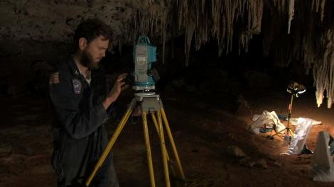 Sam and Minh mapping the Nullabor cave