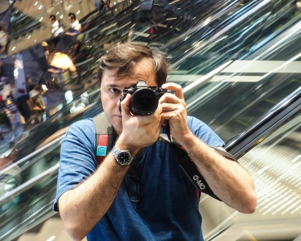 Fred behind the lens in Tokyo