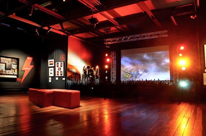 AC/DC Australias Family Jewels Exhibition: Seattle